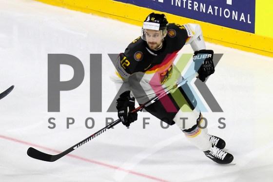 Deutschlands Macek, Brooks (Nr.12)  beim Spiel der IIHF 2017 WM, Deutschland - Daenemark. Foto © PIX-Sportfotos *** Foto ist honorarpflichtig! *** Auf Anfrage in hoeherer Qualitaet/Aufloesung. Belegexemplar erbeten. Veroeffentlichung ausschliesslich fuer journalistisch-publizistische Zwecke. For editorial use only. (PIX-Sportfotos/Sascha Schneider)