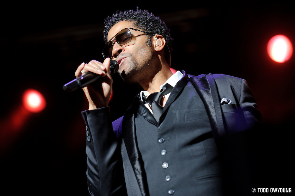 Eric Benét performing at the Fox Theater on January 1, 2010 in St. Louis. (TODD OWYOUNG)
