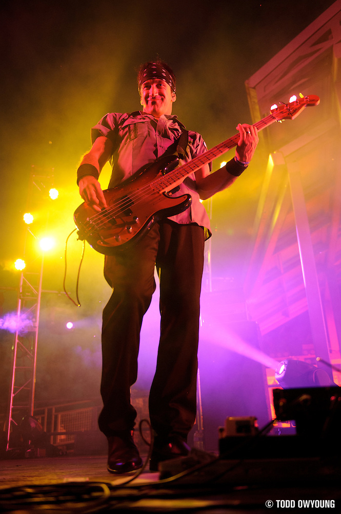 Pink Floyd tribute band El Monstero performing at the Jefferson Barracks Park Amphitheater in St. Louis, Missouri on July 9, 2011. © Todd Owyoung. (Todd Owyoung)
