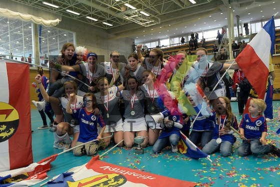GER - Wettingen, Switzerland, February 19: During the women final hockey match between Mannheimer HC (grey) and HC Minsk (navy blue) on February 19, 2017 at Sporthalle Taegerhard in Wettingen, Switzerland. Final score 5-3 (HT 2-1).  Foto © PIX-Sportfotos *** Foto ist honorarpflichtig! *** Auf Anfrage in hoeherer Qualitaet/Aufloesung. Belegexemplar erbeten. Veroeffentlichung ausschliesslich fuer journalistisch-publizistische Zwecke. For editorial use only. (PIX-Sportfotos /Dirk Markgraf)