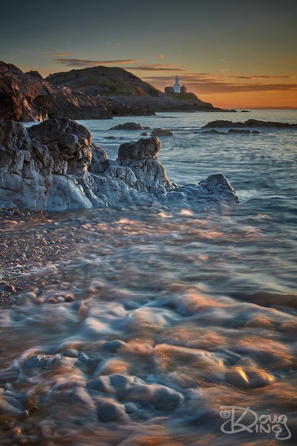 Bracelet Bay at sunrise. Mumbles, South Wales (Doug King)