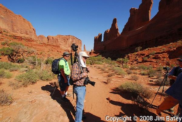 Tripod Headcam. Park Avenue Trail, Arches National Park. (Jim Batey)