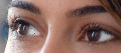 Retouching Portraits - How To Whiten Teeth & Eyes