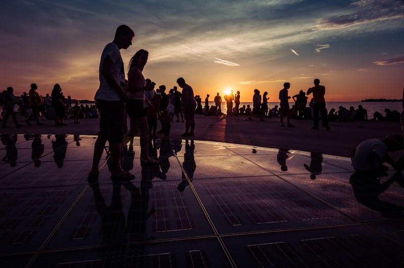 Lo spettacolo del tramonto a ZaraIl Saluto al sole
