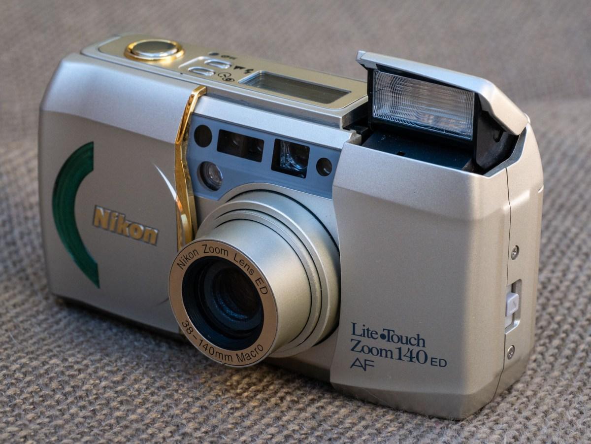 Nikon Lite.Touch 140 Zoom – A little bit of luxury