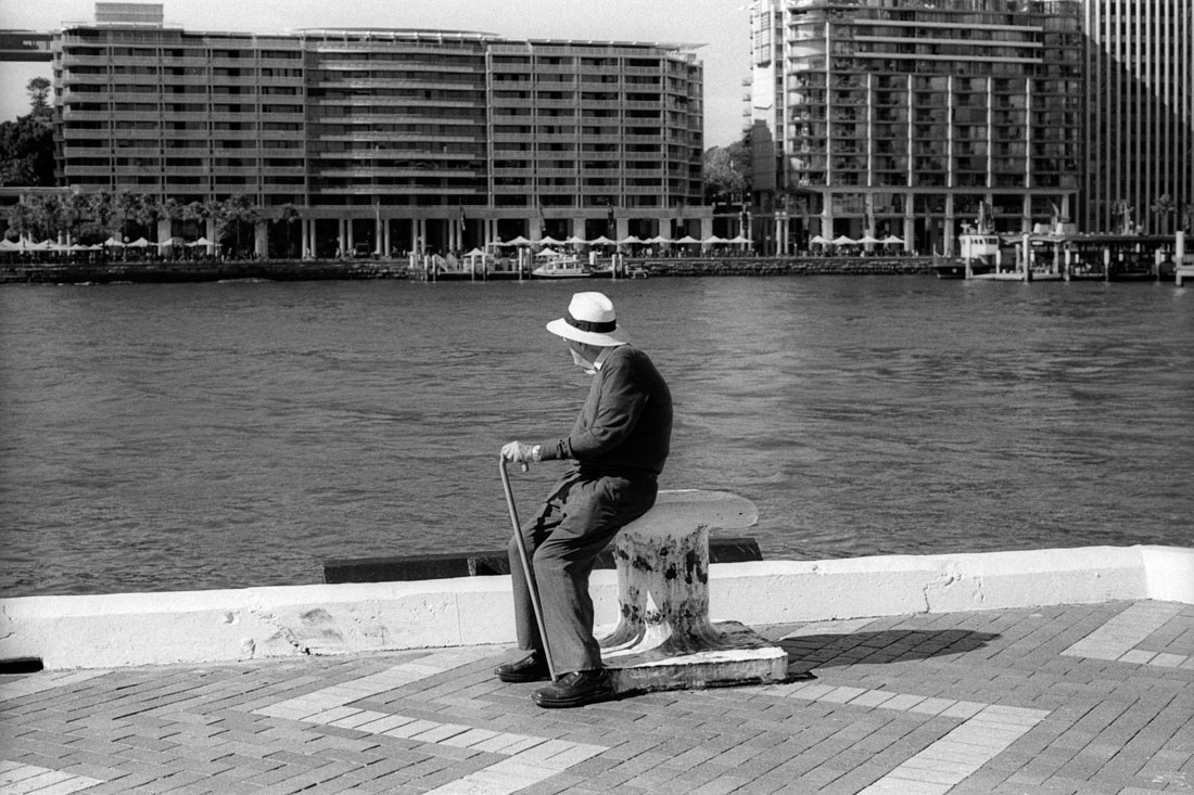 Harbour watching, Nikon F2, Nikkor-H 50mm f/2 Auto, Kentmere 400