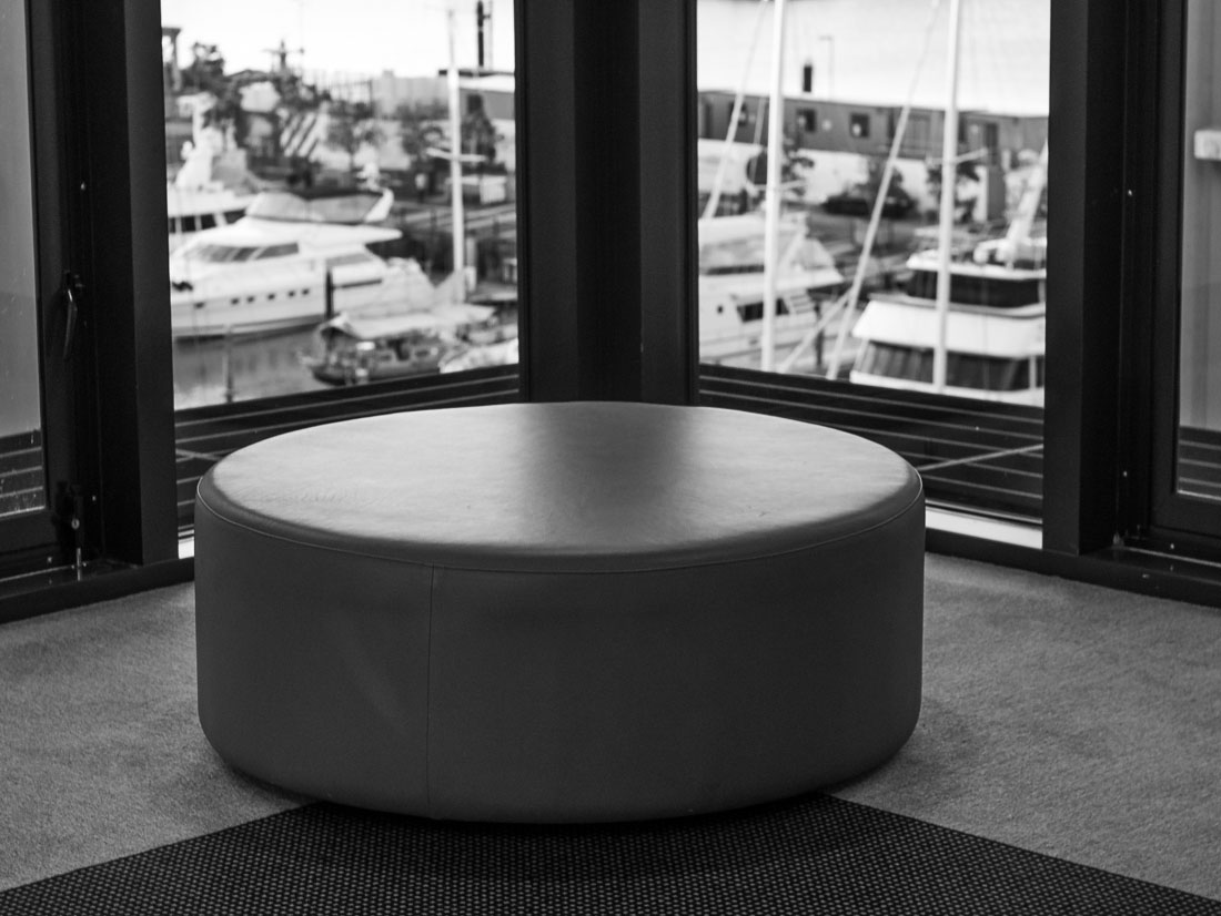 Seat to harbour | Panasonic GX7 | Canon 50mm f/1.8 LTM | ISO 400