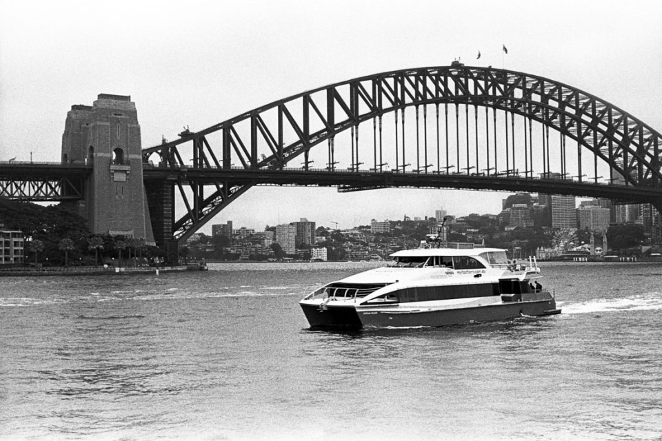 Ferry on the harbour | AGFA Karat 36 | Kodak Tri-X 400
