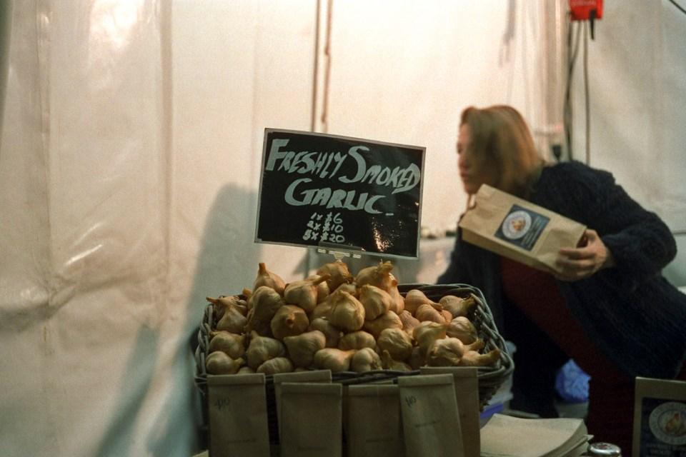 Freshly Smoked Garlic | Leica M3 | Leitz Summicron 5cm f/2 DR | Cinestill 800T