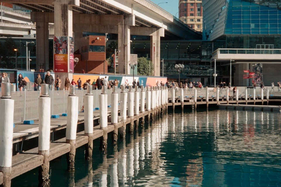 Circular Quay | Nikon Lite.Touch Zoom 140 ED AF | Kodak Ultramax 400