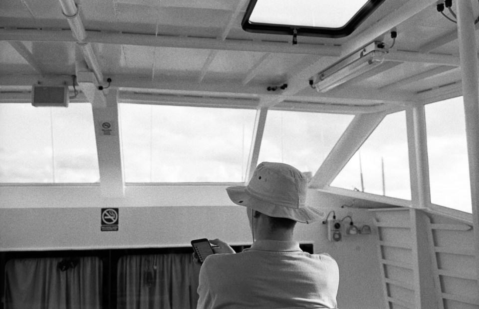 Ferry time | Leica M2 | Carl Zeiss Biogon 35mm f/2 | Ilford HP5 Plus