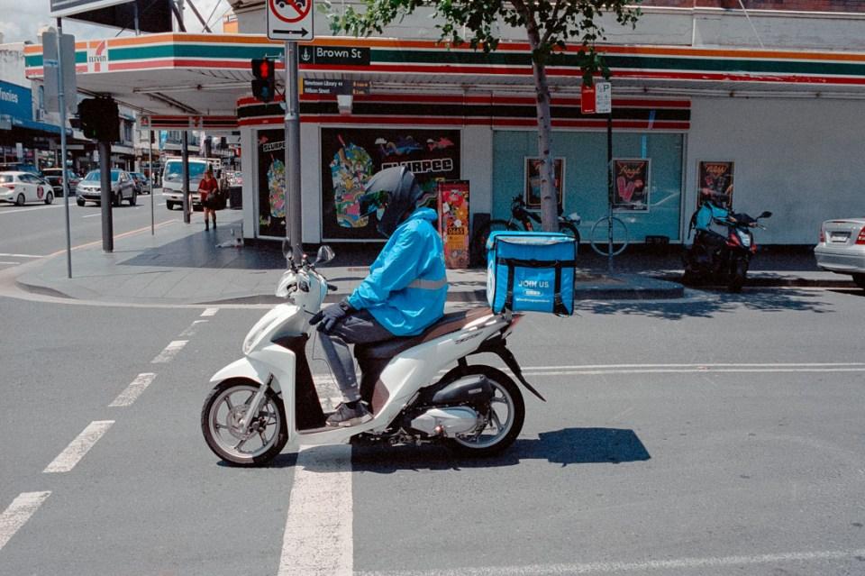 Scooter moment | Leica M2 | Carl Zeiss Biogon 35mm f/2 | Kodak Portra 400