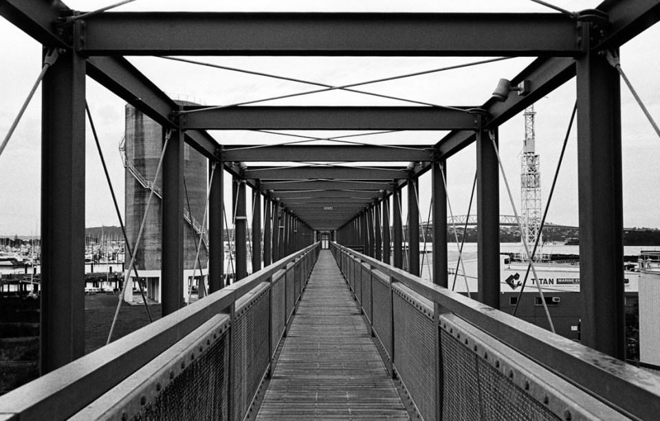 Bridge | Leica M2 | Carl Zeiss Biogon 35mm f/2 | Ilford HP5 Plus @ EI 800