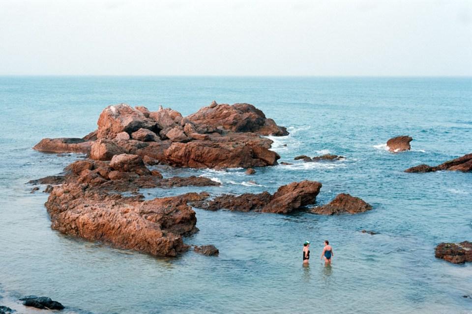 Beach with space, Port Macquarie | Nikon F100 | Nikkor 28-105 f/3.5-4.5 AF D | Kodak Ektar 100