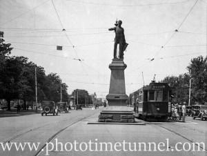 Colonel William Light statue Adelaide, SA, 1936.