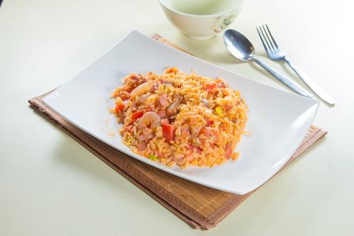 蝦仁叉燒蕃茄西炒飯