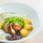 【火腿豆腐卜撈米線】的圖庫相片