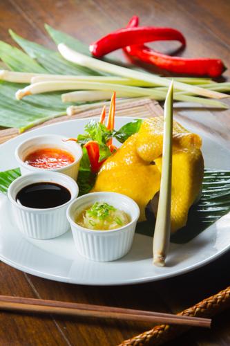 【東南亞風味海南雞半隻及醬料】印刷級的美食相