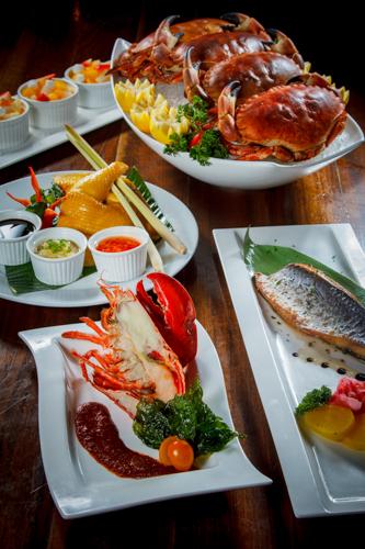 【龍蝦青魚麵包蟹及海南雞等食物拼盤】給餐館的好用素材
