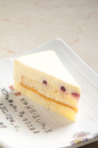 【藍莓粒芝士凍餅蛋糕切餅】的圖庫相片
