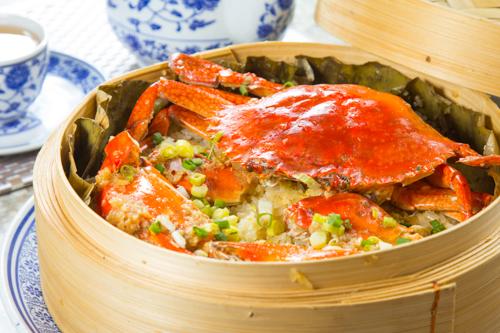 【蒸籠蒸原隻肉蟹糯米飯】的餐飲業界向產品