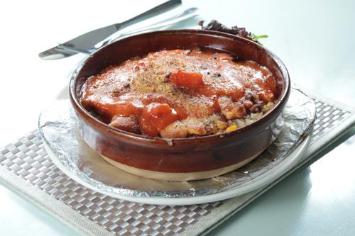 【鮮茄汁焗豬扒飯】的餐飲業界向產品