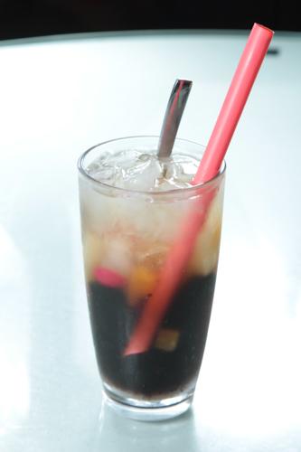 【茶餐廳特色凍飲雜果涼粉冰】印刷級的美食相