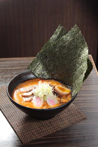 【味噌蝦湯叉燒蟹柳溫泉蛋鳴門卷日本拉麵】飲食業專用素材圖像