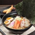 【味噌湯海鮮大蝦扇貝糖心蛋蟹柳日式拉麵配吉列炸蝦】給餐館的好用素材