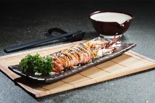 【和式海鮮燒物甜醬油原隻燒魷魚】專業食物攝影師拍攝的圖片庫