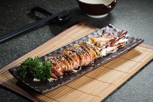 【和式海鮮燒物甜醬油原隻燒魷魚】比自己拍攝更能減低成本的食物相片方案