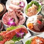伊勢海老とバラ肉とオムレツなどがある韓国風焼肉セット