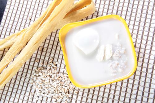 湯葉大麦芽汁粉と仙草ゼリー