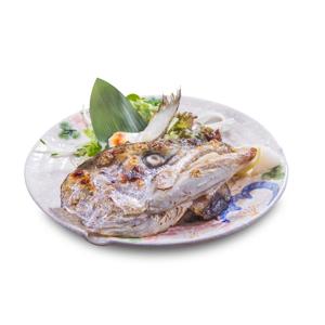 烤鰤魚頭的去背退地食物素材相片