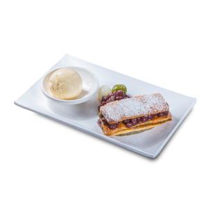 紅豆千層拿破崙配牛奶雪糕的去背退地食物素材相片