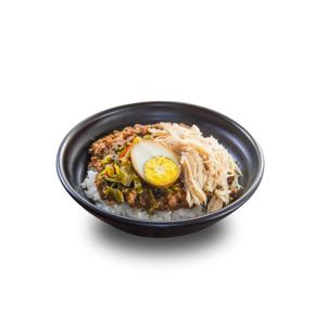 肉燥雞絲鹵水蛋飯的去背退地食物素材相片