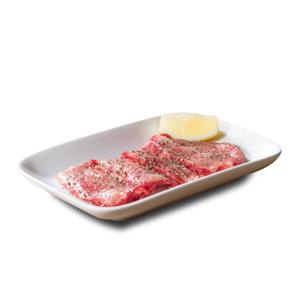 燒肉用黑胡椒調味特上牛脷的去背退地食物素材相片