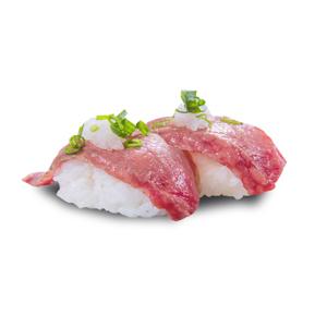 炙燒a5霜降和牛壽司兩件的去背退地食物素材相片