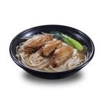 鹵水雞翼三隻油菜清湯米線的去背退地食物素材相片