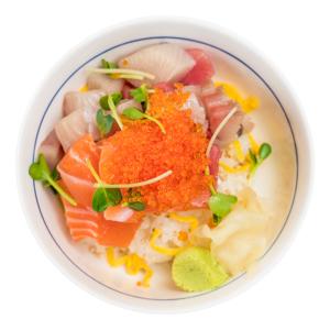 蟹籽雜錦刺身蓋飯的去背退地食物素材相片