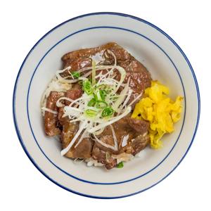 醬汁烤牛肉蓋飯的去背退地食物素材相片