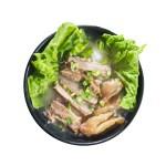 紅燒牛肉嫩湯米粉的去背退地食物素材相片