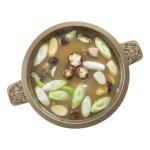 薑片冬菇青蔥湯湯底的去背退地食物素材相片