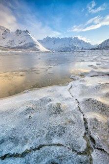 C R A C K E D | Lofoten | © Serdar Ugurlu