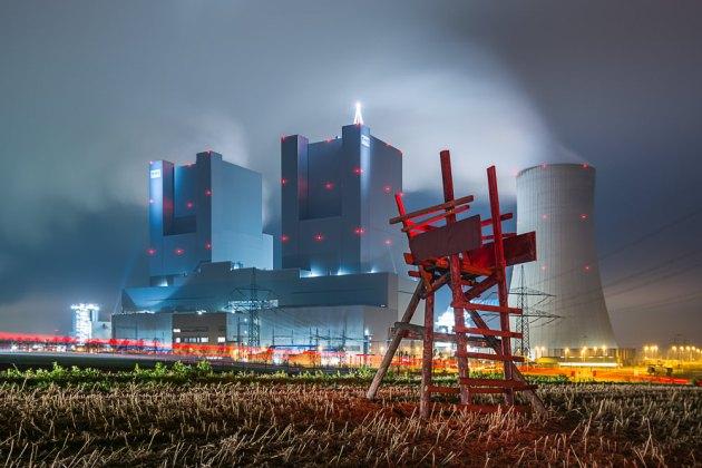 DER ROTE STUHL | © Dirk Schatz