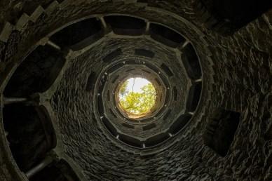 Der Initiationsbrunnen im Quinta da Regaleira