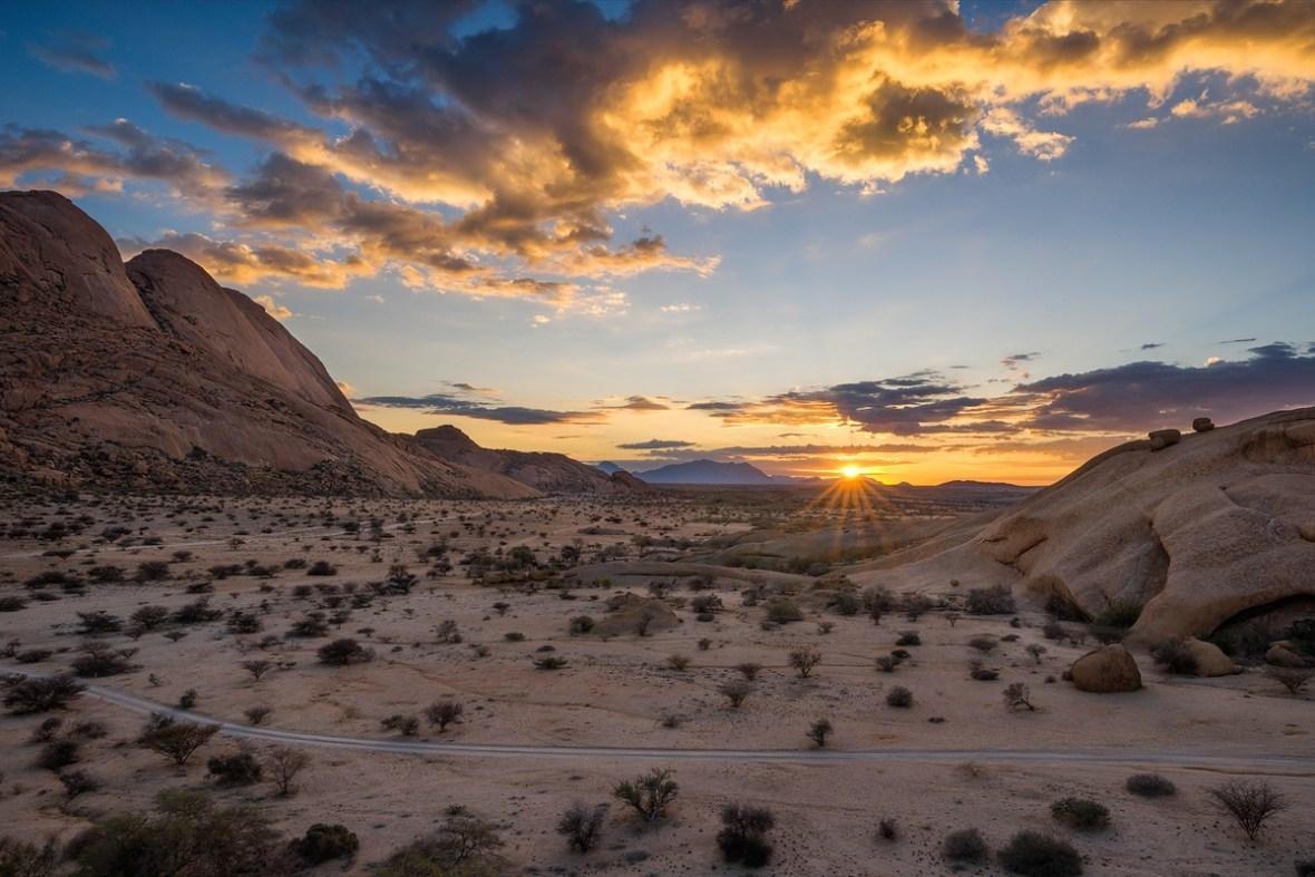 Spitzkoppe Sunrise © Raik Krotofil
