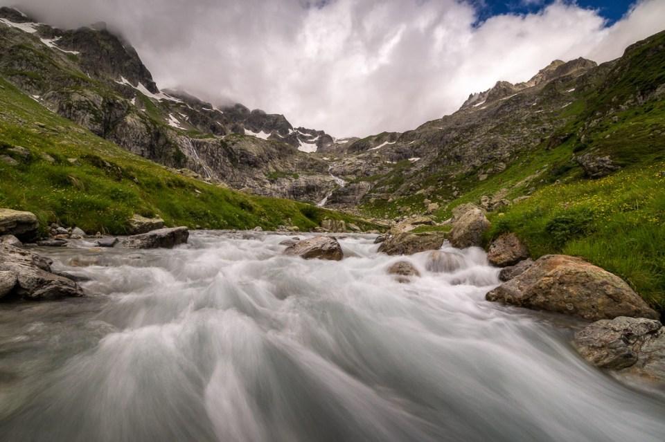 Schmelzwasser Wasserfall Schweizer Alpen Sustenpass