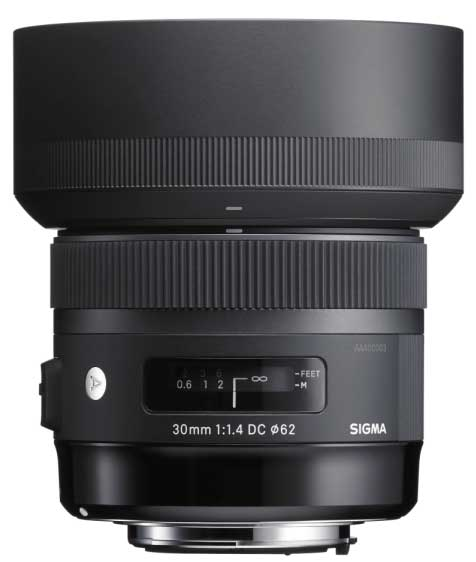 Sigma: 30mm F1.4 DC HSM lens + hood