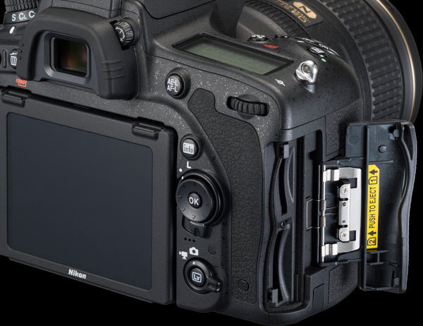 d750-back-side-double-slot
